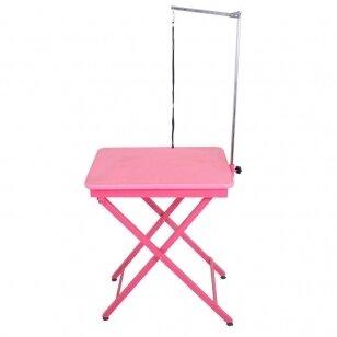 Lengvas ir patogus stalas, 60x45 cm dydžio stalviršis, padengtas guminiu kilimėliu - spalva: rožinė
